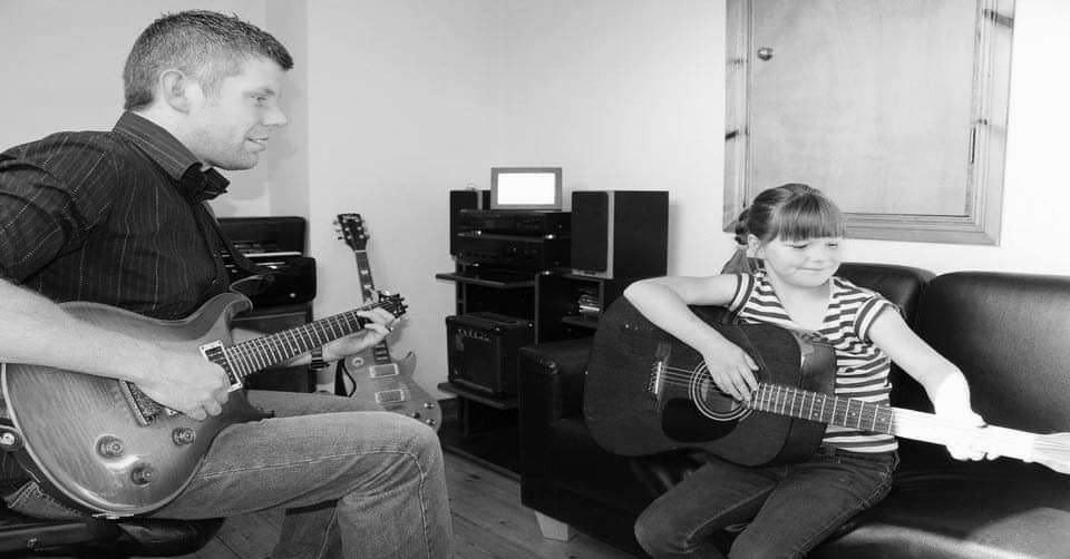 Adrian Curran Guitar Tuition
